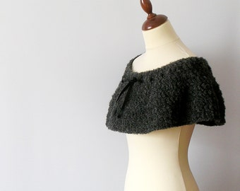 Grey Capelet Crochet Shoulderette Gray Ruffled Cowl Grey Poncho