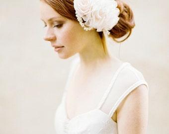 Wedding Headpiece, Bridal Flower Headpiece, Floral Hair comb, Wedding Hair Accessory - Style 327
