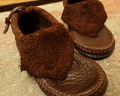 Raw Cut Inca Moccasin / NO STONE Hand Stitched Soft Bullhide Leather Durable VIBRAM Sole / Woodland Earthy Rustic Men's Women's Moccasins