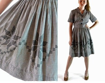 Vintage 1950s Dress Gingham Check Full Skirt 50s Day Dress Shirtwaist Dress / Cross Stitch Skirt Shirtwaist Dress M / L