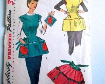 Vintage 50's Woman's Cobbler Apron sewing pattern.   Simplicity.  Misses Size Medium,   No. 4492.