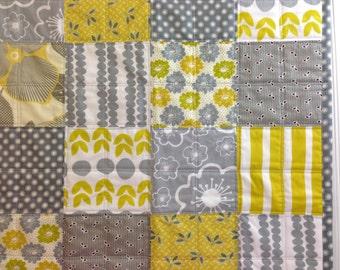 CLEARANCE! 25% OFF! Lemon Drop, Modern Baby Quilt, Stroller Quilt, Toddler Quilt, Baby Quilt, 27 x 33