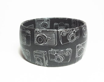 Camera Bracelet - Gifts for a Photographer - Gift Ideas for Photographers - Photographers Gifts - Camera Jewelry - Photographer Jewelry