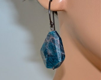 LP 1128 Natural Shaped Blue Green Apatite Nugget Earrings