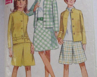 60's Mod Jacket, Skirt and Pantskirt Sewing Pattern - Simplicity 7545 - Size 14, Bust 36