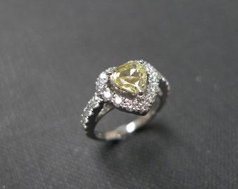 Yellow Diamond Wedding Ring in 18K White Gold, Diamond Ring, Diamond Engagement Ring, Diamond Wedding Band, Heat Shape Diamond Ring Bands