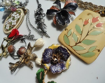 Flower jewelry lot, vintage Enamel jewelry, Floral brooch,  vintage flowers, enamel flower brooch, jewelry lot, enamel pendant