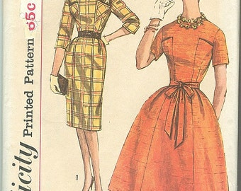 Vintage Sewing Pattern Simplicity 3642 Ladies 60s One Piece Dress Slim & Full Skirt