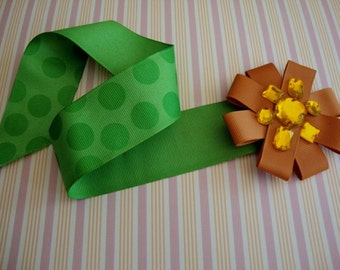 Millinery Lot  Burnt Orange Grosgrain Ribbon Flower Pin and Green Polka Dot Grosgrain Ribbon Bow Flower Applique for Doll Clothes Crafts 102
