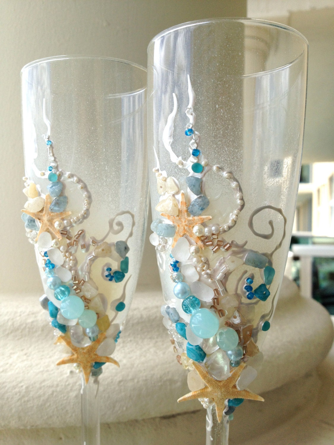 Beach wedding toasting flutes starfish wedding glasses in for Wedding champagne flutes