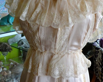 Wedding dress 70 vintage looks 1930s lace bridal gown vintage wedding