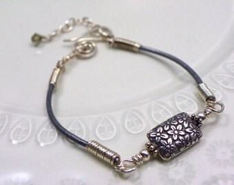 Handmade artisan friendship bracelet sterling silver grey genuine leather Bali silver jewelry