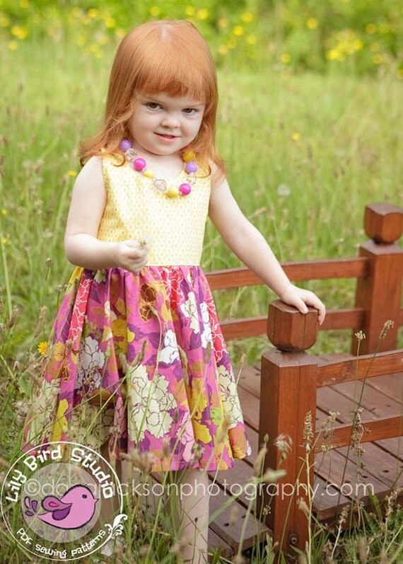 Sophia Dress - 12M to 8Y - PDF Pattern and Instructions - circle skirt, lined bodice, rounded neckline, buttoned back