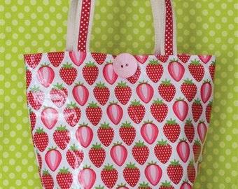 Merry Berry Vinyl Tote Pattern
