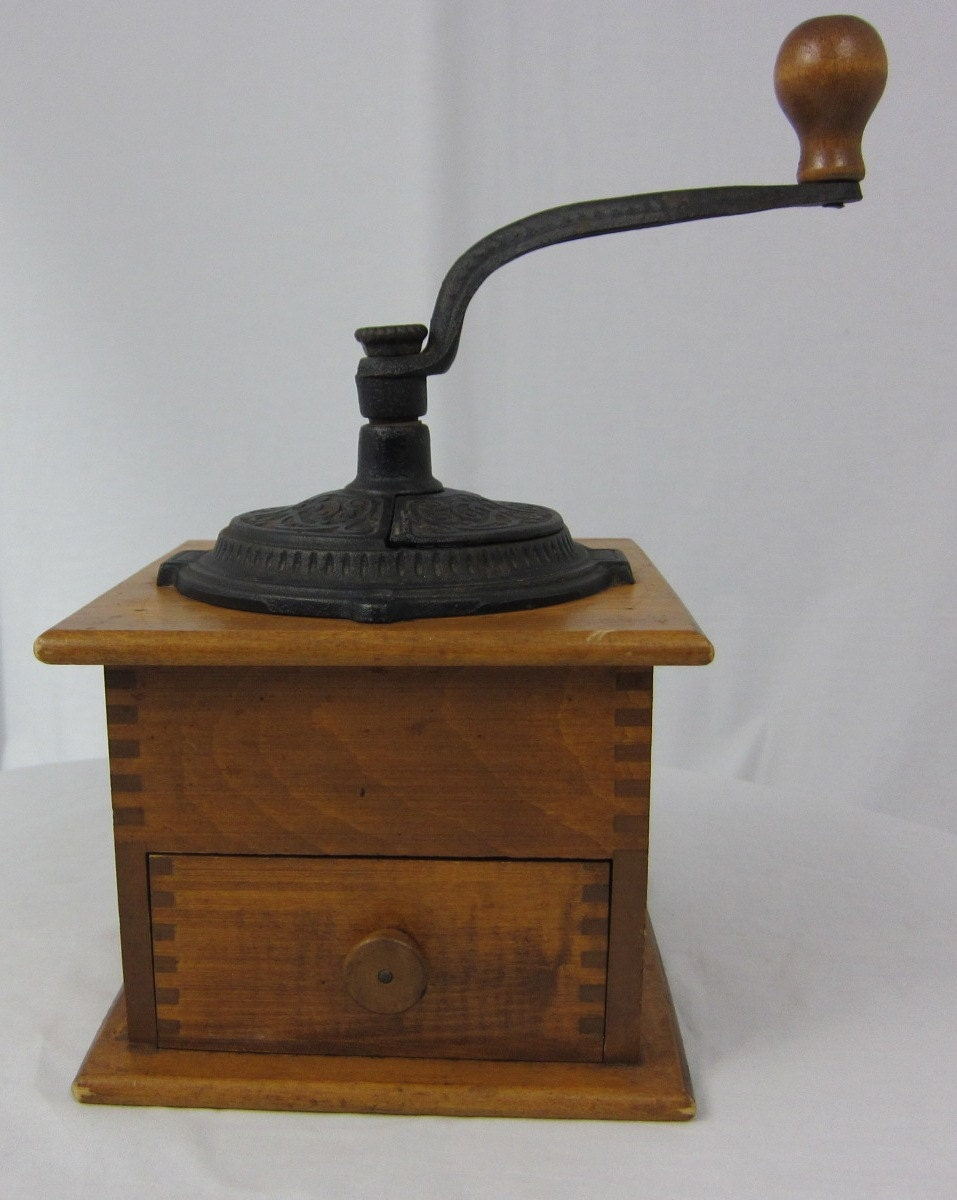 Old Coffee Grinders ~ Antique coffee grinder great vintage condition dovetail
