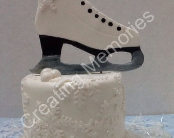 "ICE SKATE 4""x4  Cake Topper, Made of  fondant the perfect piece for your Ice Skating party. Frozen Cake Topper, Winter fondant ice skate"