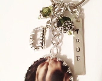 New Species Series Inspired Key Chain - TRUE - Book Inspired - Literary Themed Accessories - Romance - Fantasy - Author Swag
