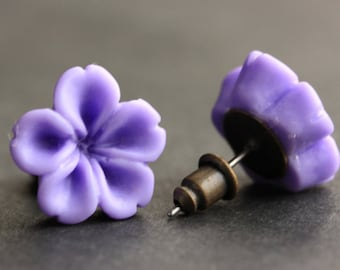 Lavender Flower Earrings. Purple Earrings. Bronze Post Earrings. Innie Flower Button Jewelry. Stud Earrings. Handmade Jewelry.