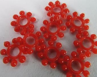 40 Vintage 10mm Cherry Red Plastic Flower Beads Bd1377
