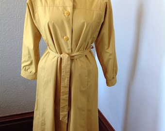 Butter Yellow Vintage Ladies Trench Sz 8