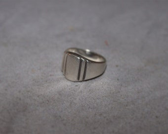 Sterling Silver VINTAGE Tiered Badge Engraveable Ring marked 925 SIZE 6.25 Handmade Rocker Retro