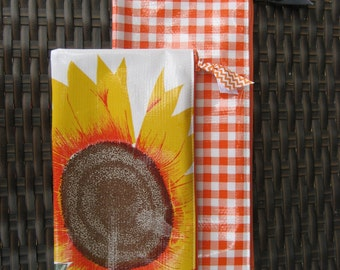 Set of 2 Zippered Oil Cloth Pouches--Sunflower and Gingham Check Cosmetic Bags--Purse Organizer--pencil pouch teacher gift