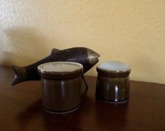 Mikasa Potters Art/SALT & PEPPER Shakers/Butterscotch/Ceramic/Japan