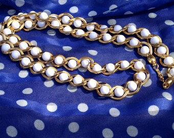 1970s Gold and White Beaded Necklace