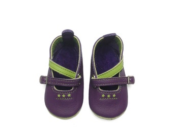 Baby shoes.  Handmade leather baby slippers.  Soft soled purple and apple green crib shoes.  Booties. Ballet flats.