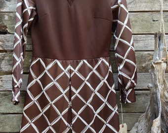 1970's 'Bleeker Street' Brown and White Pointed Collar Mini Dress