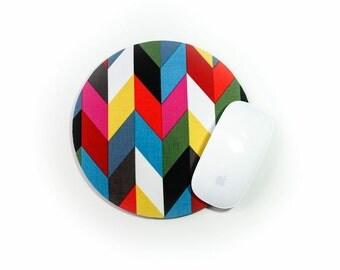 Round Chevron Mouse Pad / Modern Bright Zig Zag Knit / Home Office Decor / Ziggy French Bull / Gray Pink Orange Green