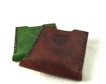leather oyster card holder with celtic heart design