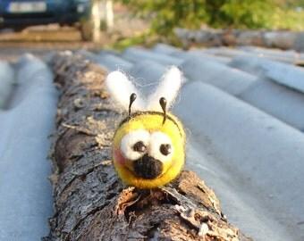 Needle Felted Bee -  Bite Bee Happy go lucky Bee