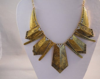Gold Tone and Clear Rhinestone Pendant Bib Necklace