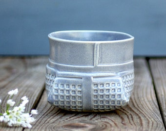 Geometric vase , Gray Ceramic Vase, modern vase,Gray Planter,ceramic flower pot,Succulent Planter,Contemporary ceramic, valentine's day gift