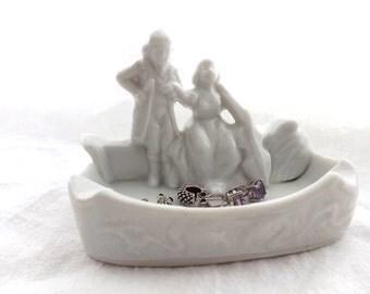 Vintage White Ashtray / 80s Ceramic French Colonial Man and Woman Ashtray / White Vanity Ring Dish / Vintage Trinket Dish