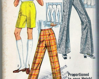 """Vintage 1969 Simplicity 8289 Proportioned Pants & Shorts Slim line Bell Bottoms Sewing Pattern  Waist 31"""" UNCUT"""