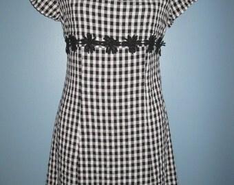 Vintage 1970's Black White Check Dress Boho Daisy Mod Country Sweet