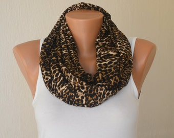 Scarf-Cheetah cotton infinity scarf-Loop scarf-Women scarves-Circle scarf-Winter scarf-Animal scarf-Fashion scarf-Christmas gifts