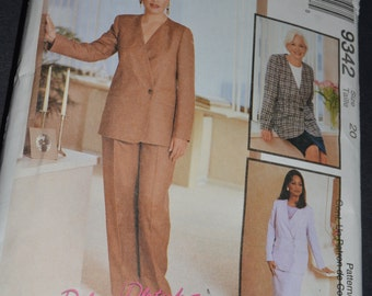 McCalls 9311 misses Vest Top and Pull on Pants or Shorts Sewing Pattern - UNCUT - Size 12 14 16