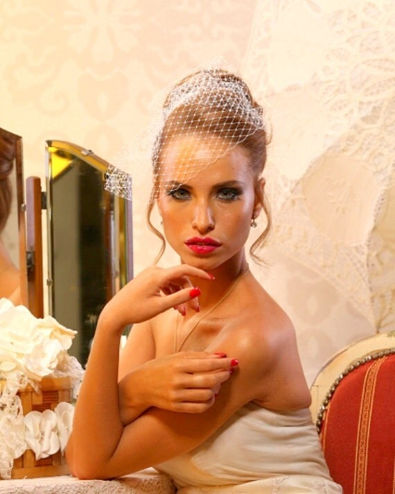 Bridal Birdcage Veil. Ivory net veil. gold hair comb decorated with ivory pearls.