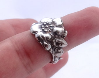 Sterling silver spoon ring Reed & Barton Harlequin floral spoon ring Wild Rose ring 925 solid sterling silver, different sizes available