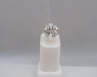 Sterling Silver cubic zirconium Heavy Flower Ring  size 6.25