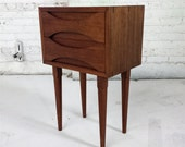 Nightstand with two drawers // Mid-century Modern // Handmade // Mahogany bedside table