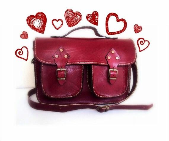 https://www.etsy.com/se-en/listing/128915512/red-leather-bag-messenger-bag-tote-bag