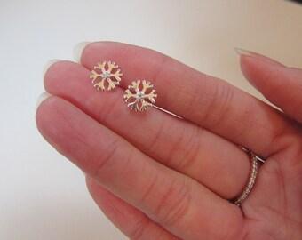 Sterling Silver SnowFlake Stud Earrings, Christmas Gift, Dainty Earrings,
