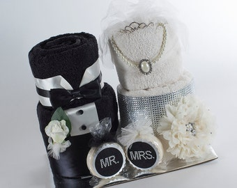 Towel Cake - Mr & Mrs Towel Cake - Bridal Shower Towel Cake - Bridal Shower Gift - Bridal Shower Centerpeice - Wedding Gift
