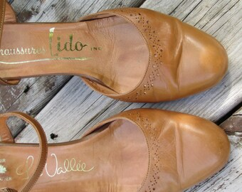 Honey beige ankle strap heels. sansals. shoes. leather. size 7