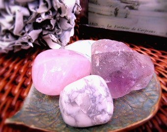 Rose Quartz Crystal, Fluorite Natural Stones, Howlite, Healing Crystals, Relaxation, Self Love, Draw In Loving Energy