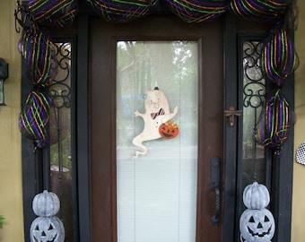 Handmade Halloween Ghost Door Hanger, Halloween Decoration, Wooden Halloween Sign, Halloween Sign, Ghost Sign, Trick or Treat Sign, Ghost